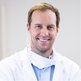 anaesthetist to apply sedation to ease nervous patients